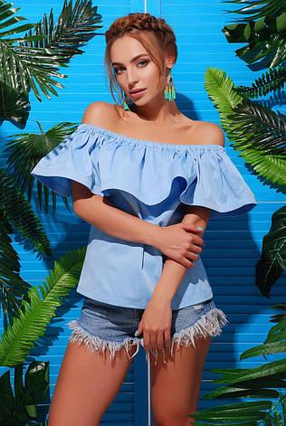 Летняя коттоновая блуза с воздушным воланом и открытыми плечами голубая, фото 2