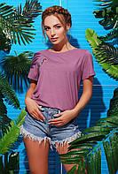 Яркая сиреневая женская футболка с нашивкой коктейль