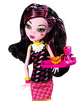Дракулаура из серии Крипатерия Монстер хай Monster High Draculaura