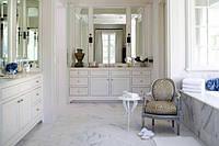 Как создать ванную комнату во французском стиле