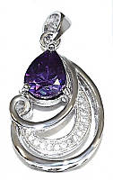 Кулон женский. Камень: сиреневый и белый циркон. Цвет металла: серебряный. Высота: 3 см. Ширина: 15 мм.