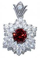 Кулон женский. Камень: красный и белый циркон. Цвет металла: серебряный. Высота: 2,7 см. Ширина: 20 мм.
