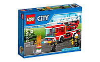 Конструктор LEGO City Пожарный автомобиль с лестницей (60107)