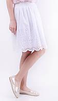 Короткая белая женская юбка из прошвы