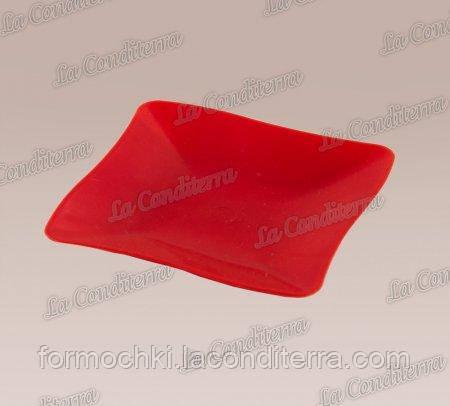 Тарелочка красная «Bon-Bon Quadrato» (7,5x7,5 см)