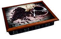 Поднос на подушке кофе рассыпано
