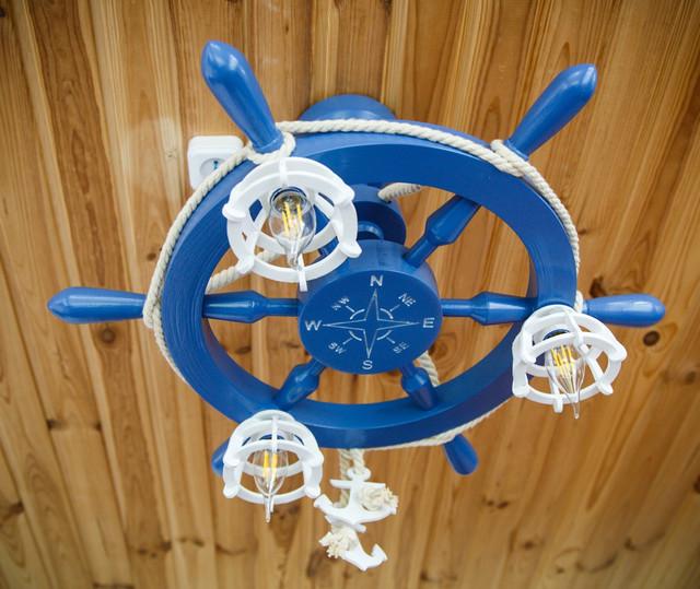 Люстры Штурвал в морском стиле