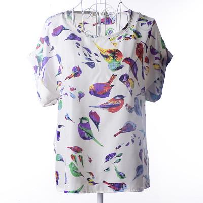 Блуза женская с короткими рукавами / Футболка шифоновая с птичками белая