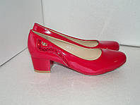Красные женские туфли. р. 37