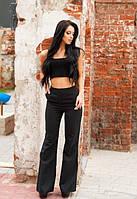 Женский брючный костюм с топом и  брюками клеш
