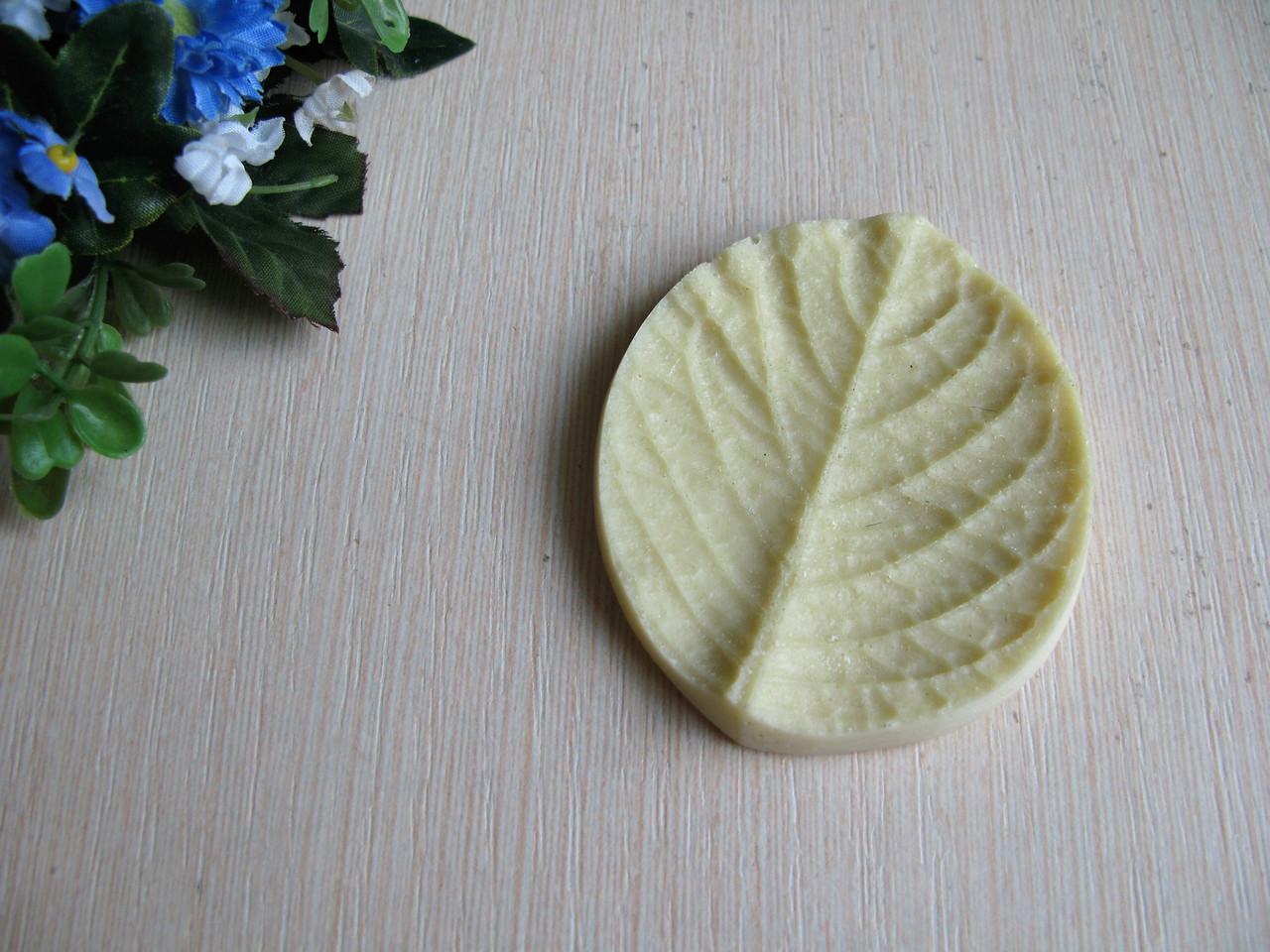 Молд (без вайнера) лист гортензии 7.5 на 7 см