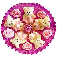 Букет из мягких игрушек Мишки розовые с розами