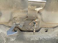 Петля капота VW Volkswagen Фольксваген Тransporter 5 2003-2010