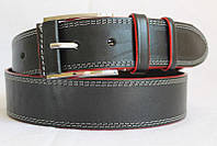 Джинсовый кожаный ремень 45мм черный прошитый двойной белой ниткой пряжка обшита кожаной вставкой красные края