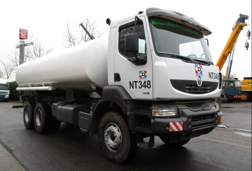 Танкер Renault KERAX 380 MANUAL для перевозки продуктов