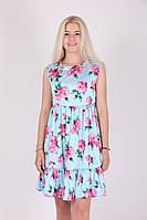 Модное летнее платье голубое  с  цветочным принтом