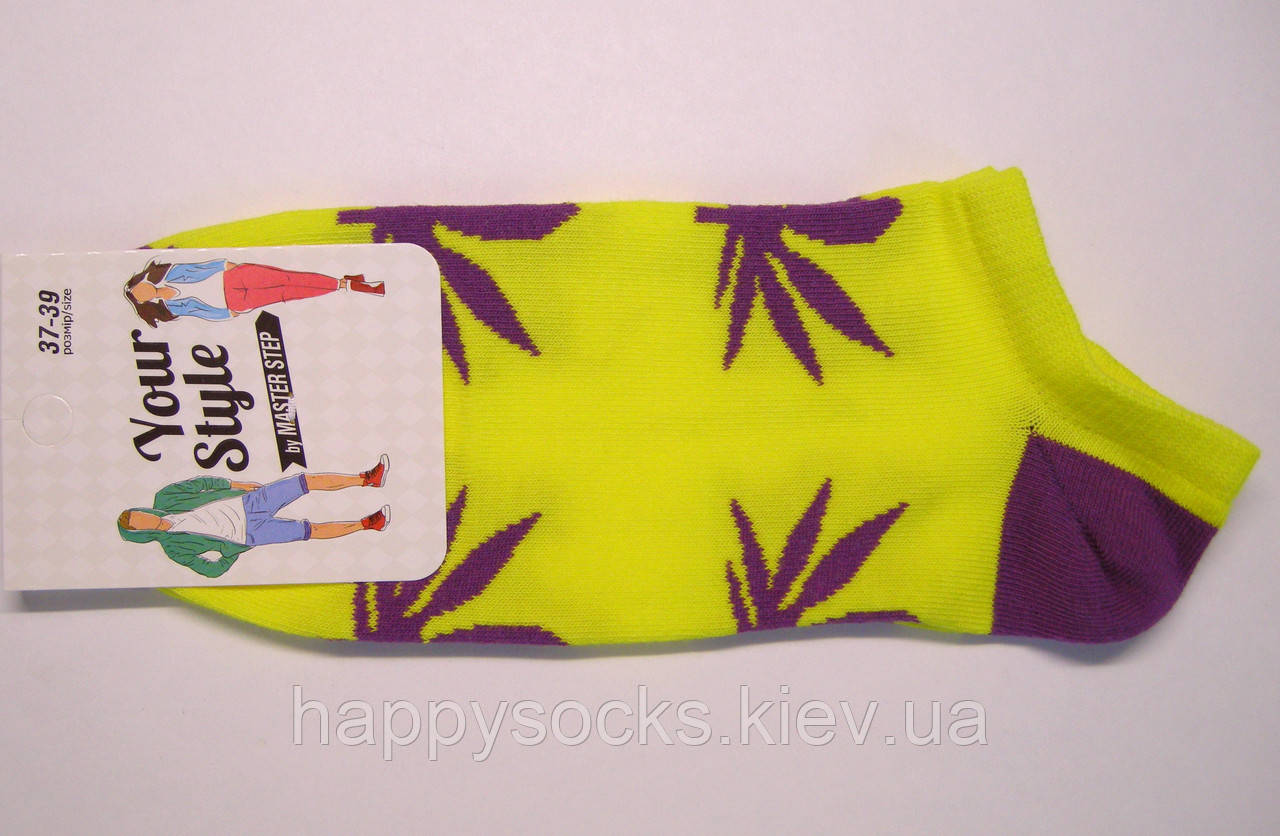Яркие носки желтого цвета женские с листьями марихуаны
