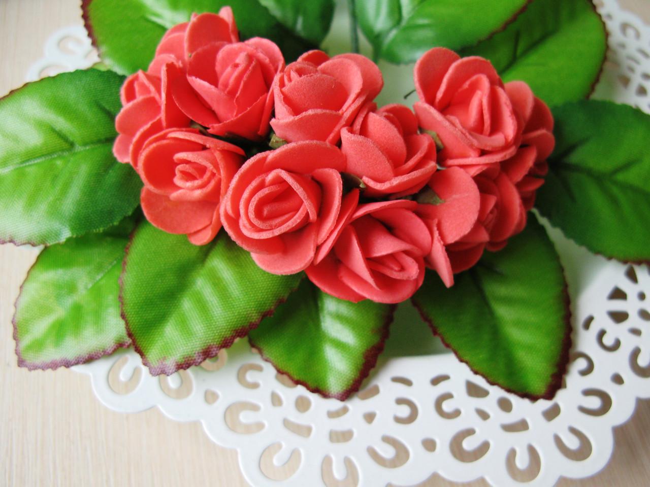 Розы из латекса коралловые малнькие 1.7 см