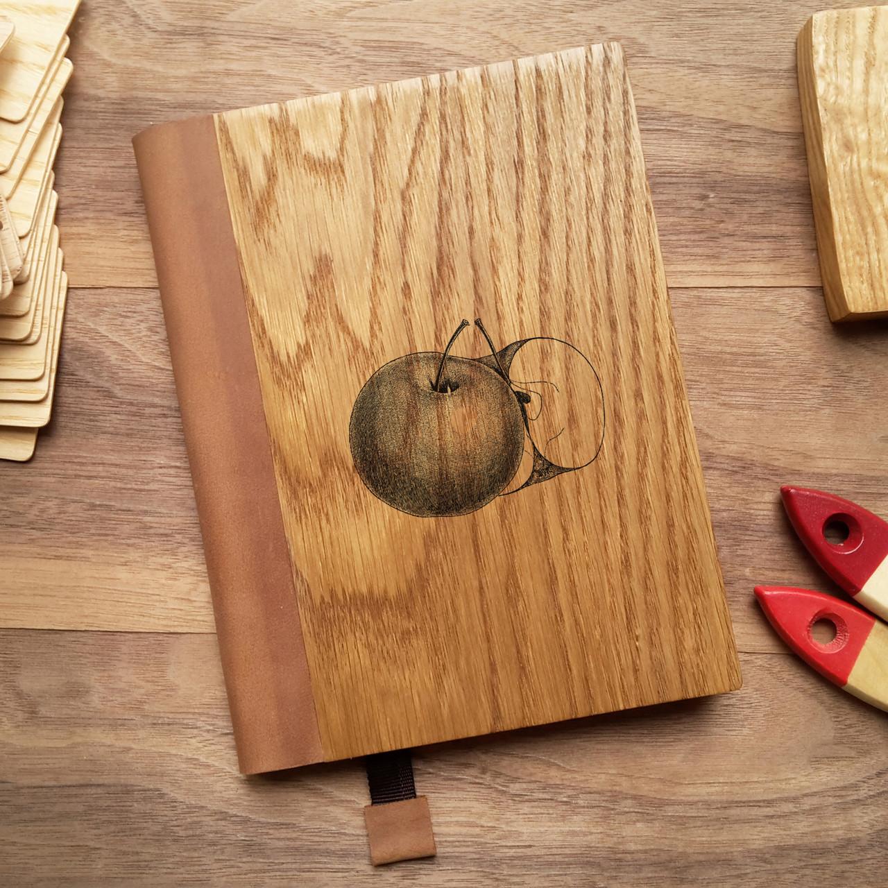 """Деревянный блокнот в твердом переплёте """"Яблоко"""" формат А5"""