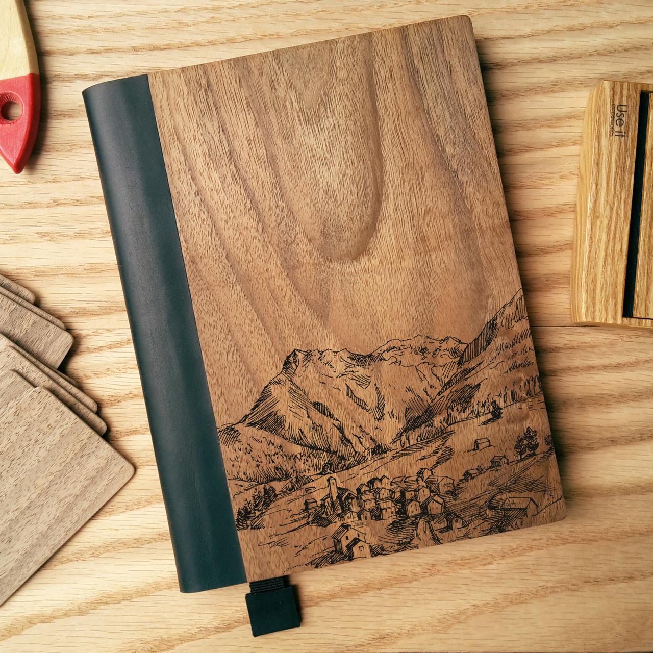 """Деревянный блокнот в твердом переплёте """"Посёлок в горах"""" формат А5, фото 1"""