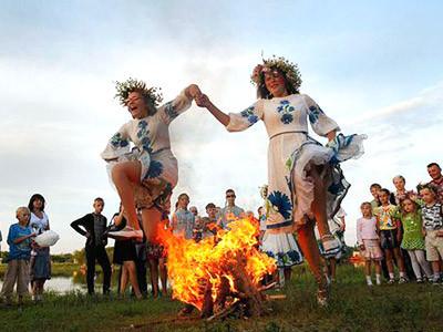 Свято Івана Купала разом з запальним Holi Fest!