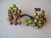 Ягоды гладкие 10 мм зеленые с красным бочком