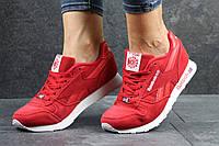 Женские кроссовки Reebok Classic, красные (замшевые)