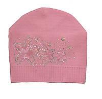 Демисезонная шапка для девочки.