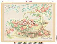 Персики в кошику