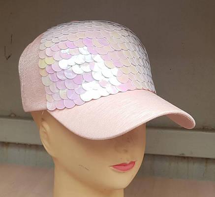 Женская кепка из новой коллекции