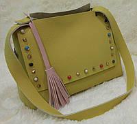 Женская модная сумка с заклепками качественная эко-кожа цвет желтый