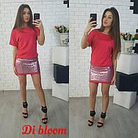 Короткое красное платье в пайетках