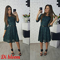 Платье из роскошного гипюра глубокого бутылочного цвета