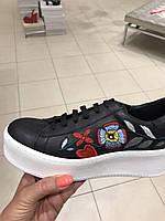 Слипоны черные с вышивкой  на шнуровке Италия