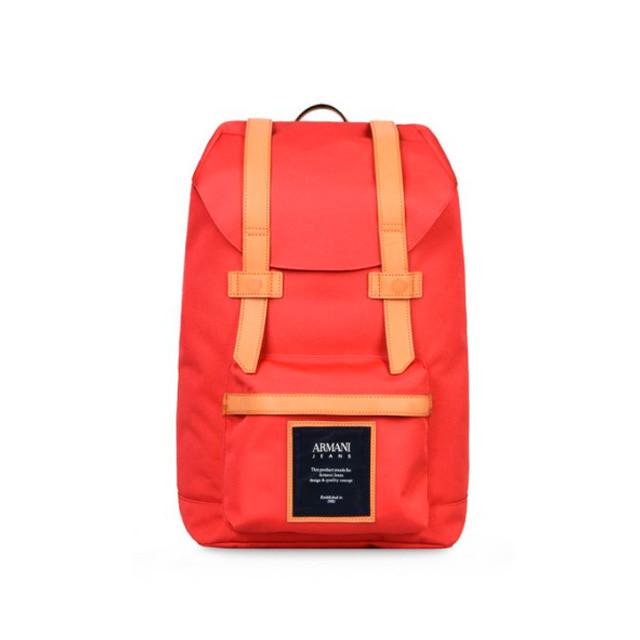 Мужской рюкзак Armani с элементами из натуральной кожи был представлен в рамках новой мужской коллекции грядущего сезона