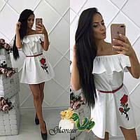 Платье женское из белого коттона с аппликацией Роза
