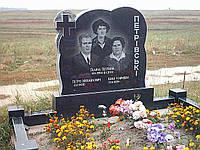 Тройной памятник из гранита