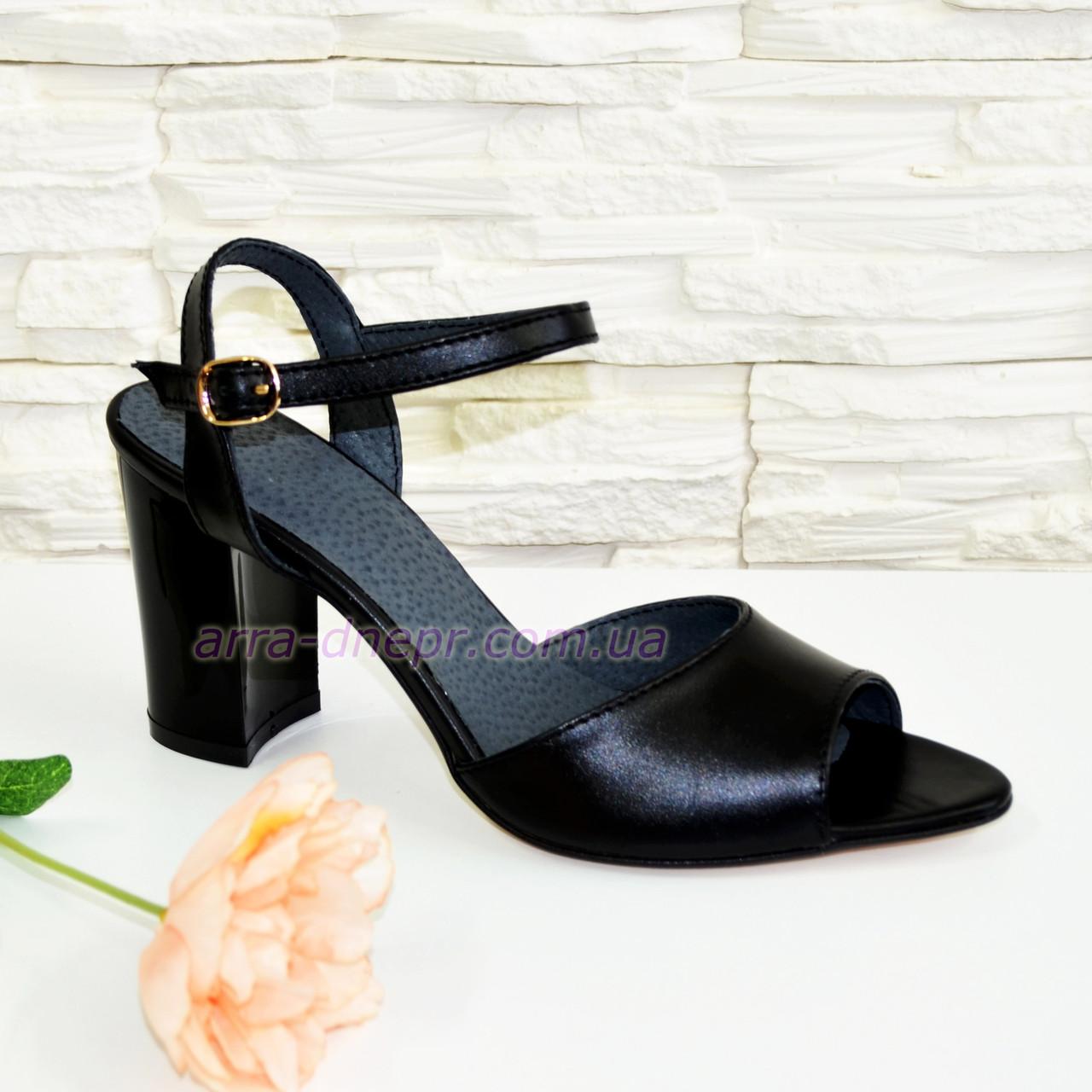 Женские кожаные босоножки на устойчивом каблуке 93254ccce0c99