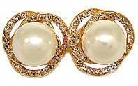 Серьги -гвоздики с круглыми камнями, имитация жемчуга и стразами. Цвет: позолота. Диаметр 2,5 см.