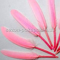 (100шт) Перо декоративное цветное. 14 см. Цена за 100 шт. Цвет - розовый
