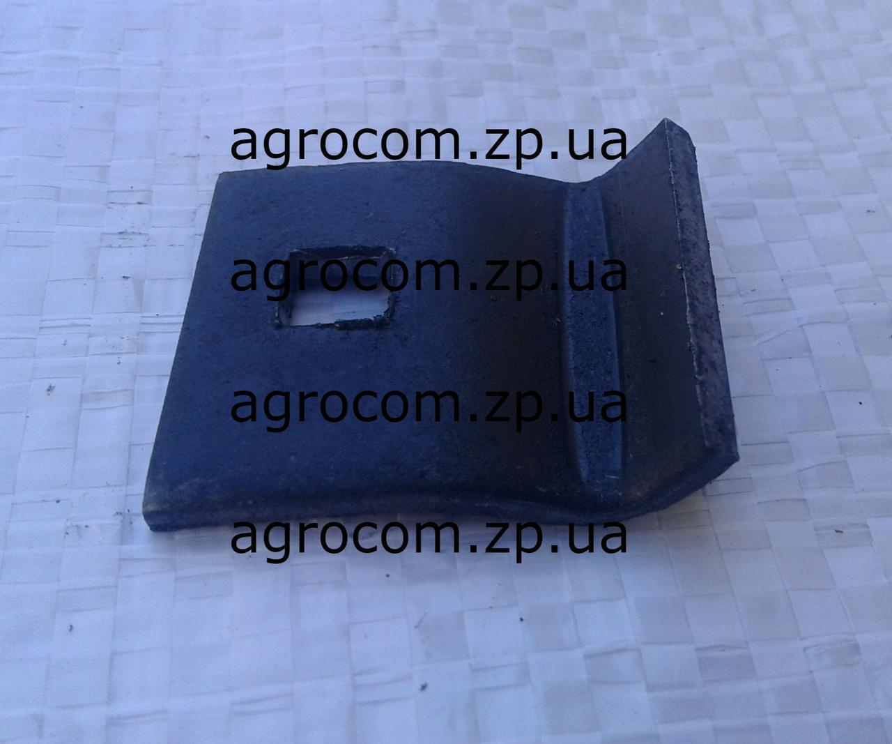 Прижим крепления граблин Дон-1500 А/Б