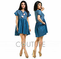 Женское летнее джинсовое мини платье с бомбонами