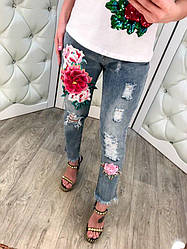 Модные женские короткие джинсы с объемной вышивкой цветы и дырами размер С, М