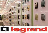 Legrand Valena Выключатель одноклавишный универсальный (проходной) с подсветкой 770126 алюминий