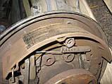 Задній правий важіль + барабан + гальмівний механізм б/у на VW T4 рік 1990-2003, фото 2