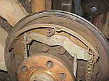 Задній правий важіль + барабан + гальмівний механізм б/у на VW T4 рік 1990-2003, фото 3
