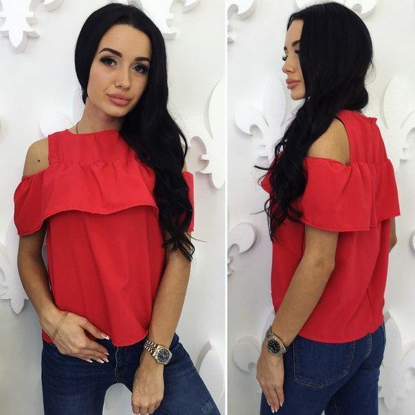 Блузка с воланом красная
