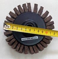 Войлочный круг лепестковый на платформе М14 d125 мм