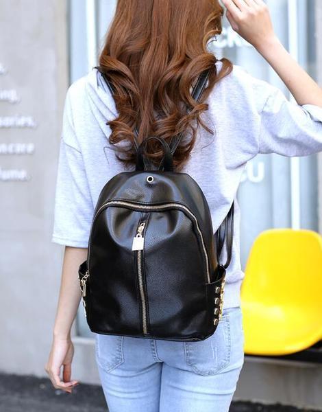 Женский рюкзак черный с замком