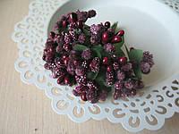 Тычинки сложные на веточках.Цвет баклажан.
